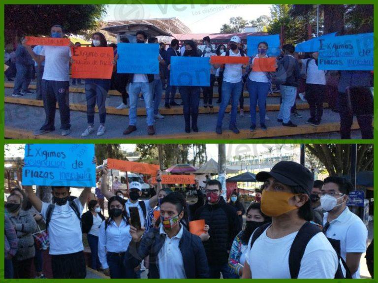 VIDEO | Protestan egresados de escuelas normales para exigir plazas