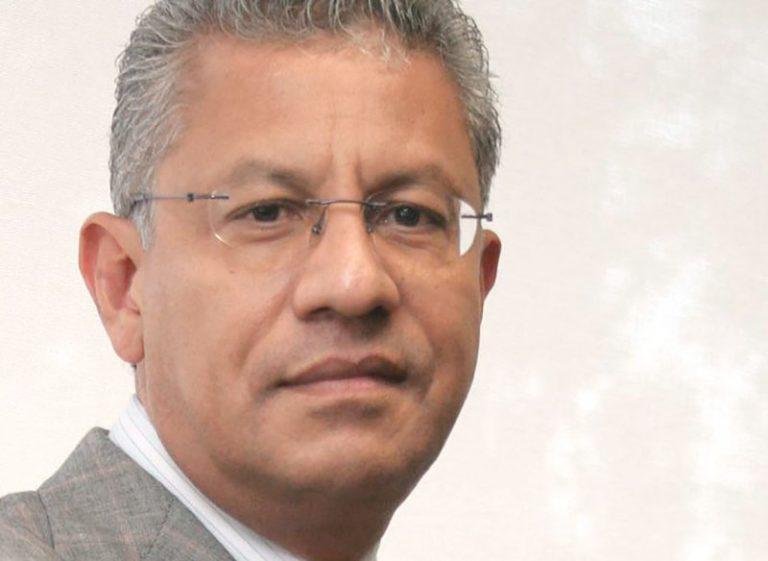Dejan fuera al exrector Raúl Arias Lovillo de la terna para la Junta de Gobierno de la UV