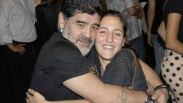 Las conmovedoras palabras de la hija de Maradona en el último cumpleaños del astro del futbol